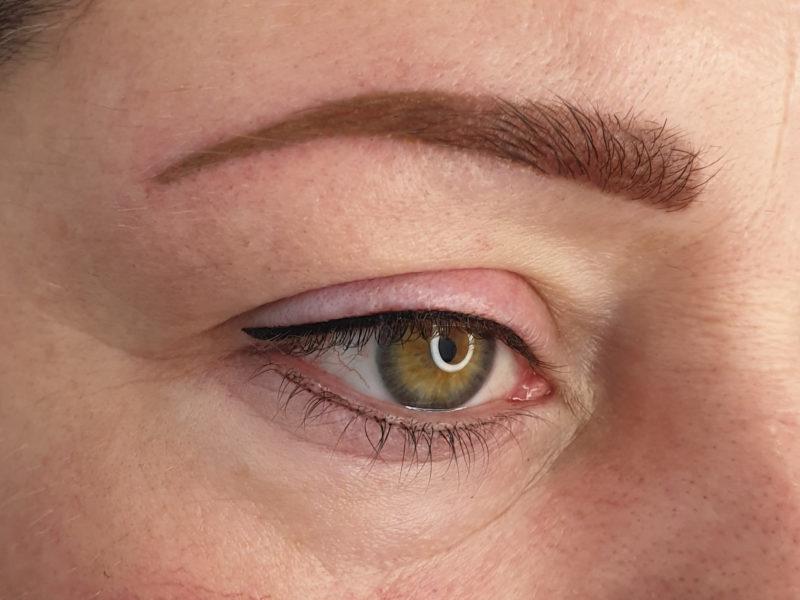 Makijaż permanentny brwi i kresek na powiekach